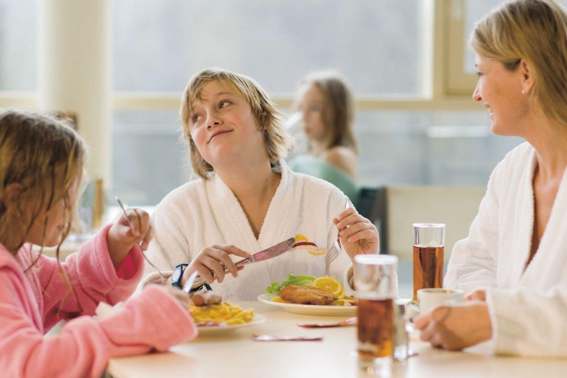 Kulinarik gleich in der Familientherme genießen